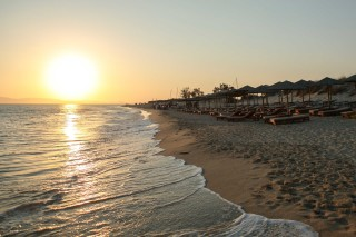 location nikos maria sunset beach