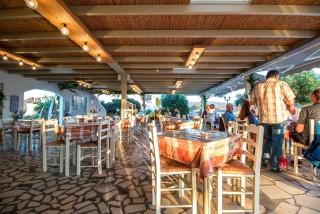naxos-restaurant-53